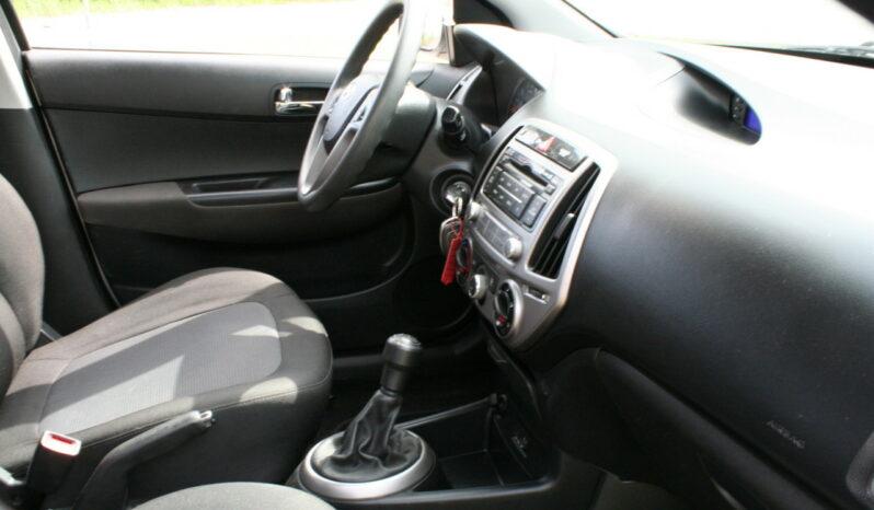 Naudoti 2013 Hyundai i20 full